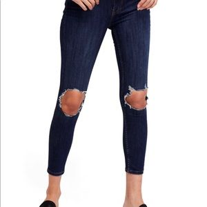 BRAND NEW Free people busted knee jeans
